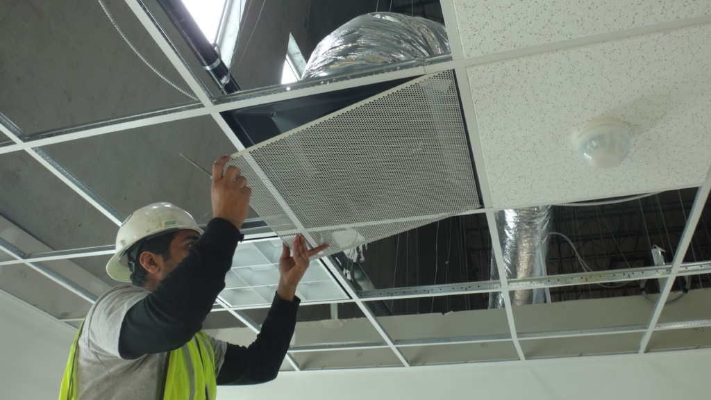 best technician cleaning commercial grade air duct unit in new york ny